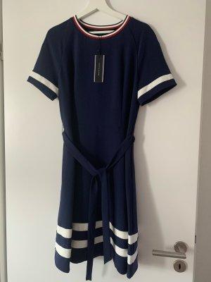 Neues Kleid Tommy Hilfiger Gr 10
