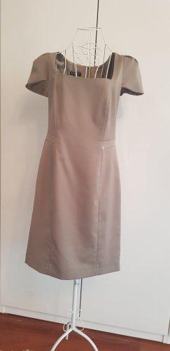 Neues Kleid von Apart, beige