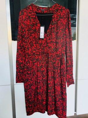 Neues Kleid von Comma