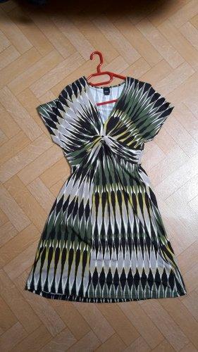 NEUES Kleid von ESPRIT mit speziellem Muster