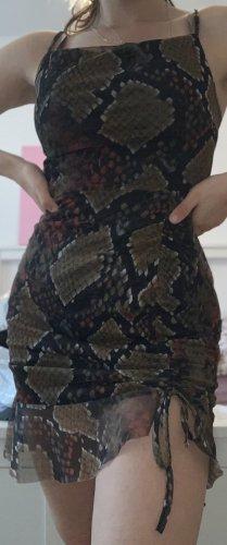 Neues Kleid von Pretty Little Things