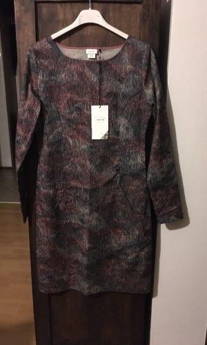 Neues Kleid von SKFK