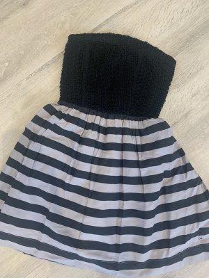 Neues Kleid von Tommy Hilfiger