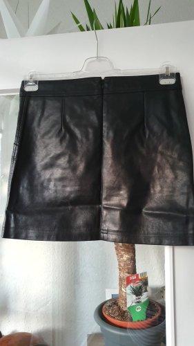 100 Jupe en cuir noir