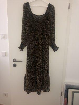 Neues, langes Kleid mit Leoprint