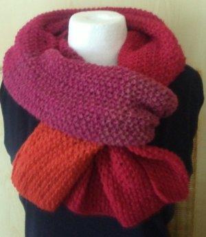 ***Neues leichtes Tuch/Schal selbst gestrickt in Rottönen ca. 200 x 45 cm***