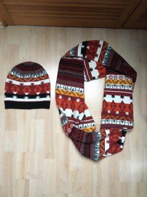 Neues Mütze-Schal Set