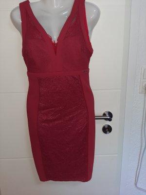Neues rotes Kleid von GUESS Gr.S mit Spitze
