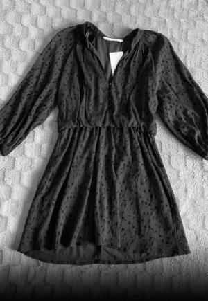 Neues schwarzes Kleid von Zara