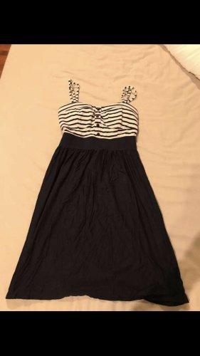 Neues Sommerkleid Matrosen-Look