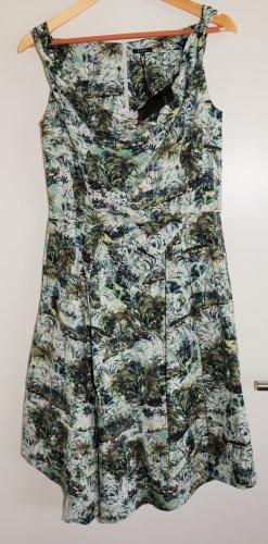 Neues Sommerkleid von Jones