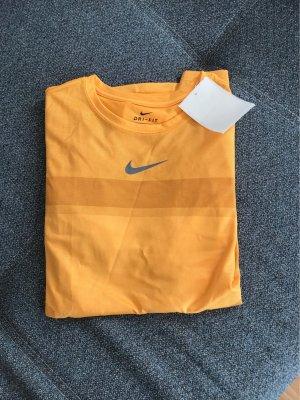 Neues Sport T-Shirt