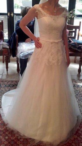 Neues wunderschönes Brautkleid von Lohrengel I aktuelle Kollektion