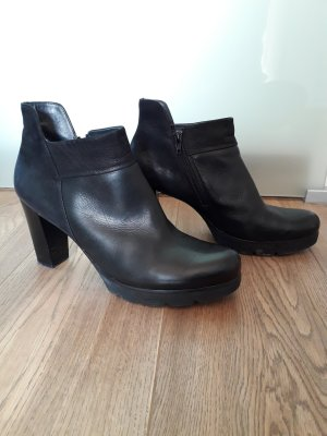 Paul Green Platform Booties black