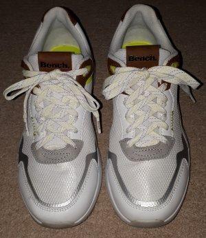 * Neuwertig Bench Sneaker Gr. 38