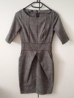 Neuwertig: Kleid von Blanco Gr. 34, zaubert eine super Figur, Tulpenrock, grau-braun, dezentes Muster