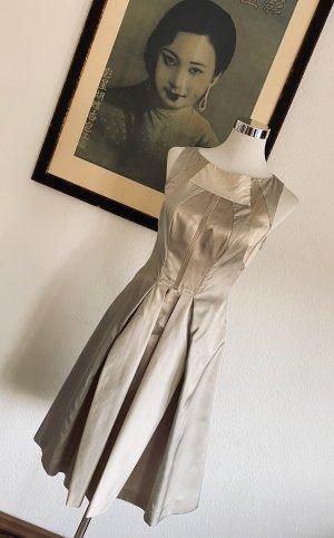 Prada Sukienka o kroju litery A kremowy-jasnobeżowy