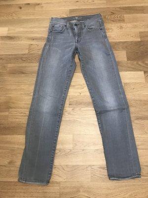 Neuwertige 7 FOR ALL MANKIND Jeans - Gr. 26 - Modell Roxanne