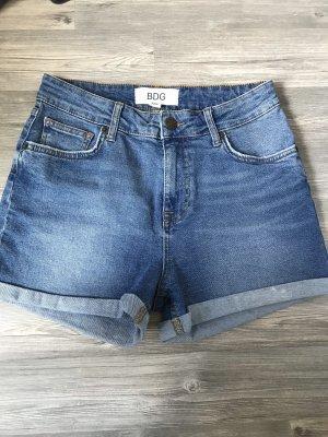 Neuwertige, blaue Shorts von BGB Urban Outfitters