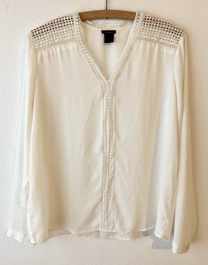 Ann Taylor V-Neck Shirt white