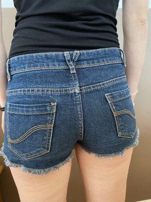 Neuwertige denim hot pants