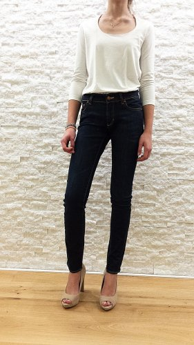 Neuwertige High-Waist Jeans in dunkelblau von H&M, Gr. 26/32