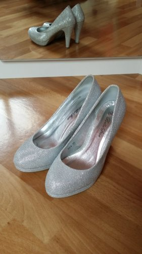 neuwertige hohe Schuhe/ Highheels in silber Gr. 36