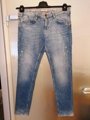 Neuwertige Jeans von Zhrill