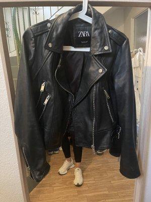 Neuwertige Lederjacke von Zara!