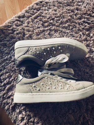 Neuwertige Perlen Schuhe Gr 37