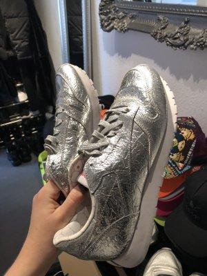 Neuwertige Reebok Schuhe Sneaker Silber Metallic Cool Alu