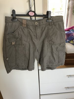 Neuwertige Shorts