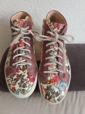 Neuwertige Sneakers von THINK! Neupreis 169 Euro