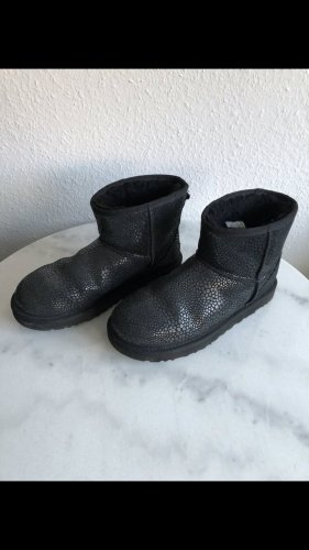 Neuwertige UGG Boots Stiefel Schuhe Glänzend Winterschuhe Herbst Warm