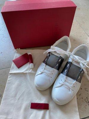Neuwertige Valentino Garavani Rockstud Sneakers 39 Weiss metallic