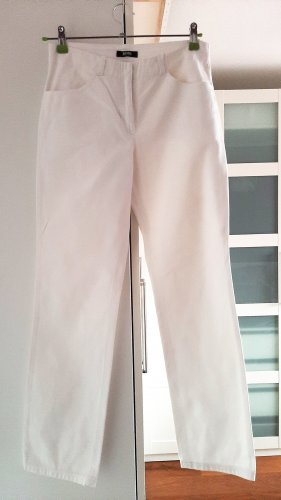Neuwertige weiße Jeans von Hugo Boss, Gr. 36