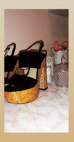 Neuwertige Zara High Heels mit Korkabsatz, Größe 39