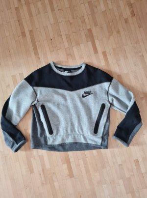 Neuwertiger Cropped Sweater von Nike, Gr. XS, nur einmal getragen