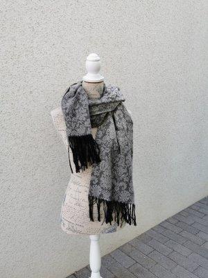 New Yorker Bufanda de flecos negro-gris claro