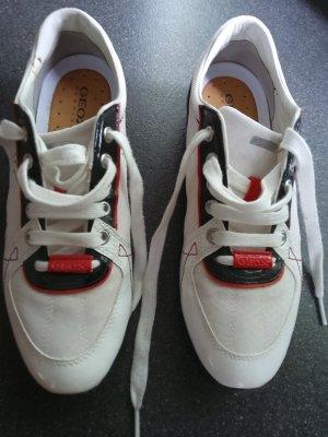 Neuwertiger Sneaker von Geox in Größe 39