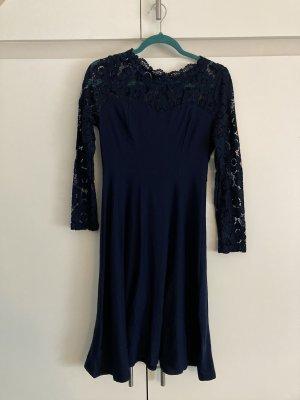 NEUwertiges blaues Kleid mit Spitze