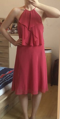 Neuwertiges Kleid