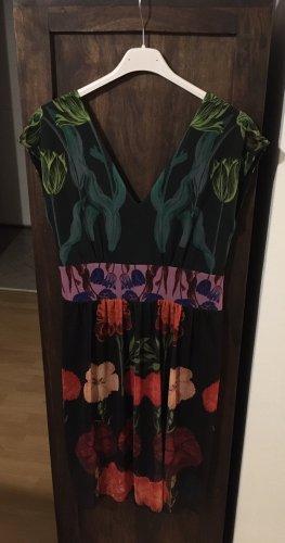 Neuwertiges Kleid von Desigual