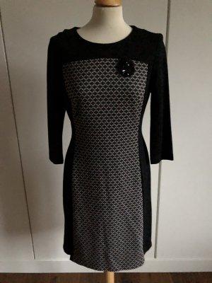 Neuwertiges schönes Kleid von Gerry Weber