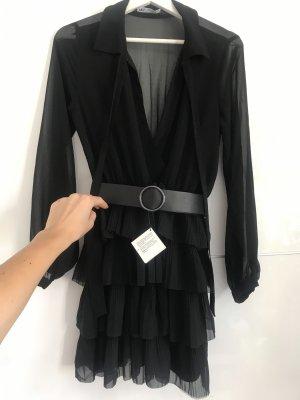 Neuwertiges, schwarzes kurzes Kleid von Zara M 38
