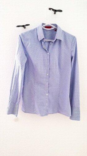 Neuwertiges tailliertes Hemd von HUGO BOSS, blau/weiss, Gr. 34/36