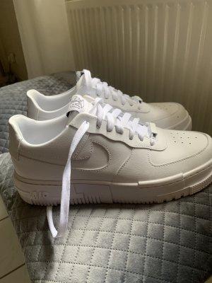 Nike Heel Sneakers white