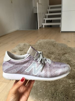 New Balance 420 metallic lila