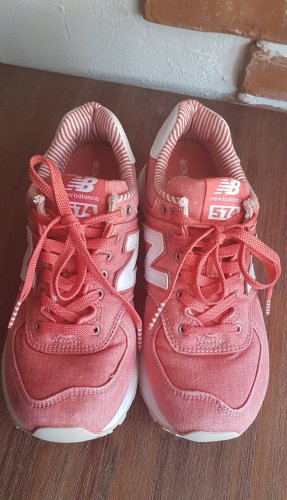New Balance 574 in tollen washed- Coral