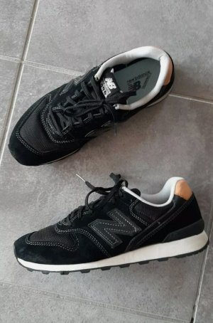 NEW BALANCE leder sneaker Turnschuhe retro schwarz gr.38